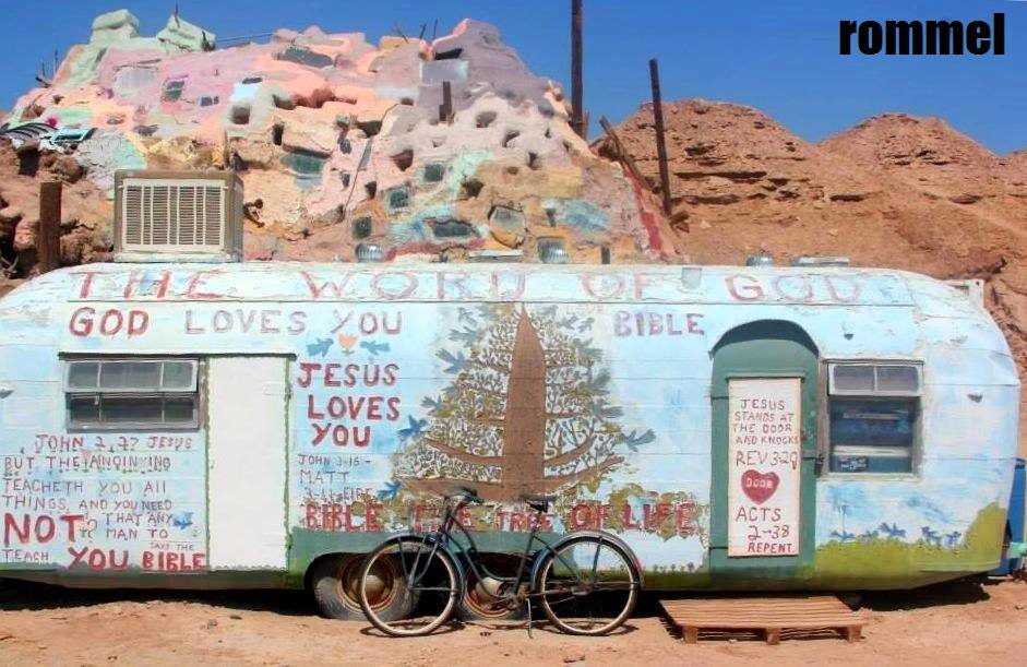 salvation mountain14