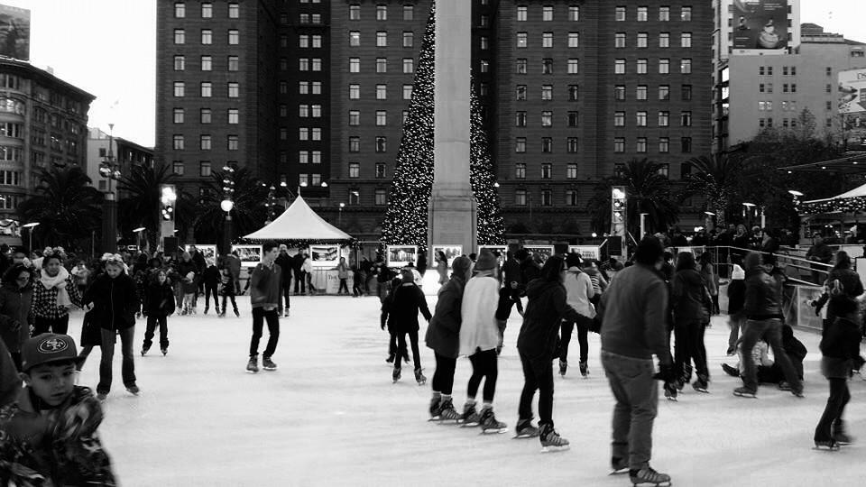 Ice skate rink in front of Macy's